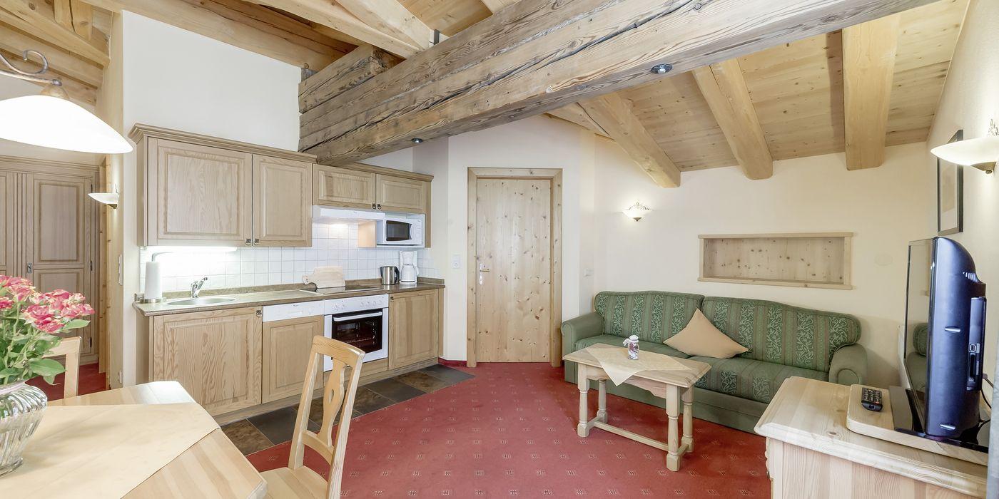 """Wohnküche im Appartement """"Die Pinzgauerin"""""""