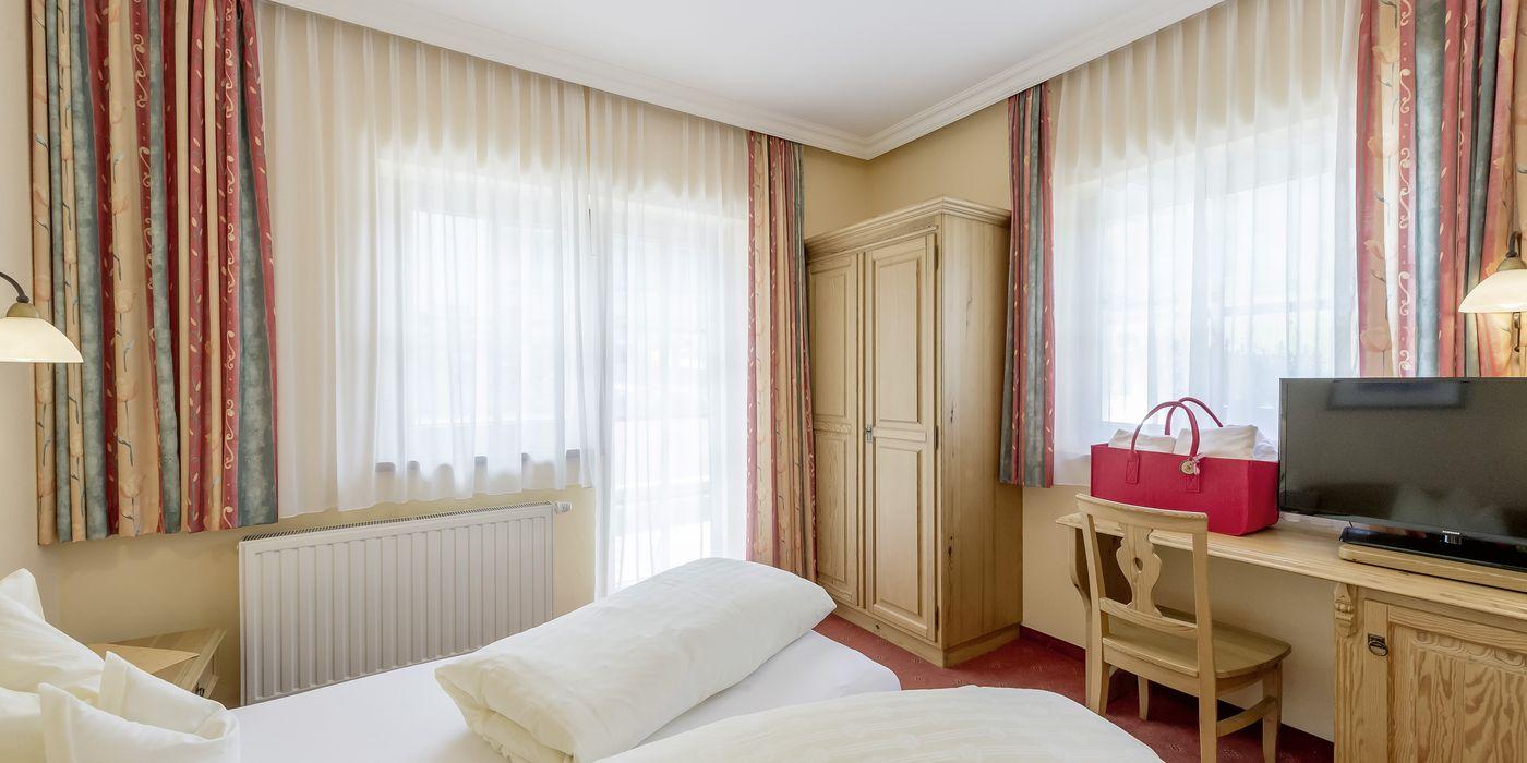"""Gemütliches Schlafzimmer im Appartement """"Die Tuxerin"""""""