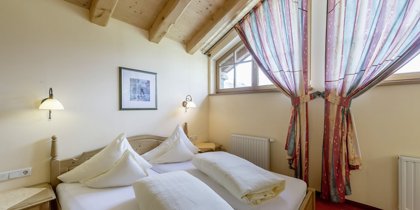 """Schlafzimmer im Appartement """"Die Pinzgauerin"""" in Kühtai"""